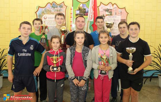 В этом году учитель Октябрьского детского сада-средней школы Игорь Бирус был отмечен Почетной грамотой