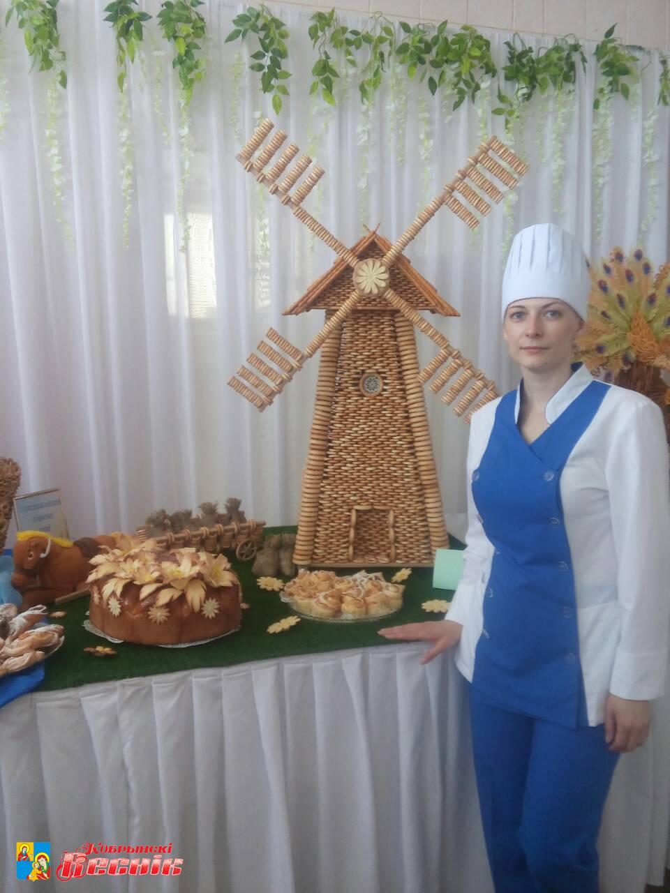 Шедевры из бубликов и мастики представили кондитеры Кобринского хлебозавода