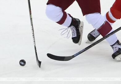 Никита Парфенюк из Кобрина в составе юниорской сборной Беларуси по хоккею отправился на чемпионат мира в США