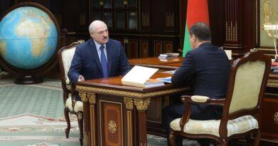 Александр Лукашенко принял с докладом Головченко