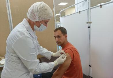 """В торговом центре """"Полесье"""" в Кобрине начал работать прививочный пункт"""